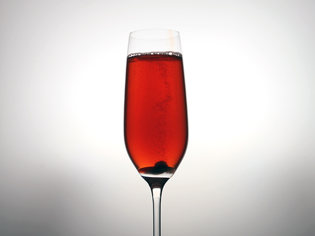 Champagne Cocktail: Rich and Famous